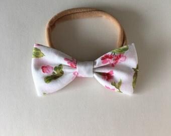 Mini vintage style hair bow in Classic Corsage | headband or hair clip