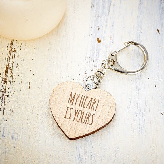 Heart-Shaped Wooden Key Ring - Beautifully Engraved With Romantic Message - Love Gifts For Girlfriend Or Boyfriend