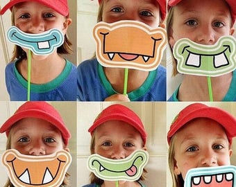 FUNNY MUSTACHE set party favors perfect for birtday kid party / 6pcs