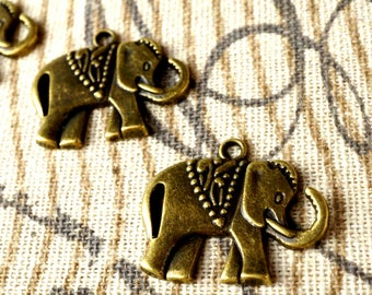 Elephant charms 5 antique bronze vintage style jewellery supplies C113