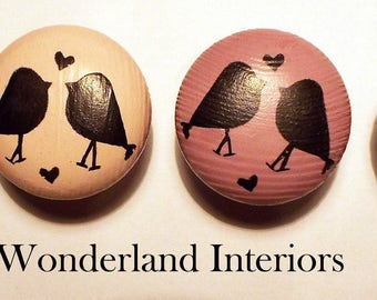4 x birds Hand painted Pine knobs handles Shabby chic Annie sloan