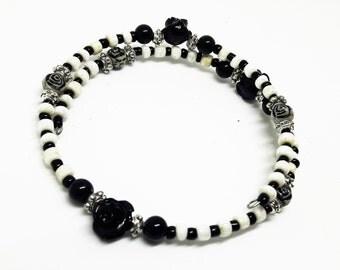 Black rose bracelet, flower jewellery, Black and White jewellery, monochrome, memory wire bracelet, Goth jewellery, gift for her, boho