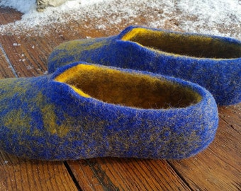 Blue felted slippers, Wool felted slippers, Women's slippers, House shoes, Comfortable slippers, Woolen clogs, slippers