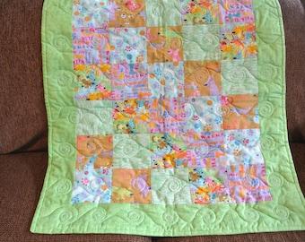 Dog Print Baby Quilt, Cotton/Flannel Quilt, CribStroller Quilt, Patchwork Baby Quilt, Gender Neutral, Handmade Baby Quilt, Baby Shower Gift.