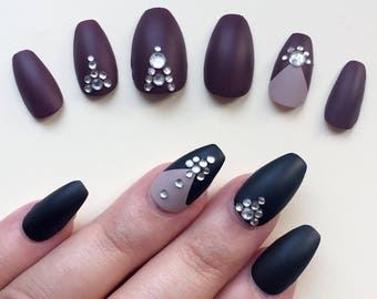 A set of hand painted false nails. Full cover. COFFIN. Matte Black or Red. NEW UK