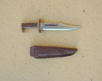1:6 scale Combat Bowie Knife and Leather Sheath