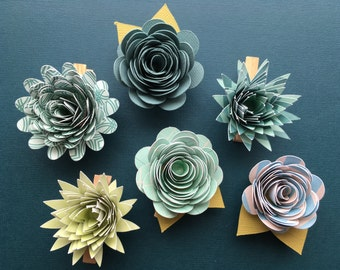 Flower Clips, Paper Flowers, Blue Flowers, Green Flowers, Flower Gift Tags, Succulent Clips, Succulent Tags, Spring Flowers, Gift Tags