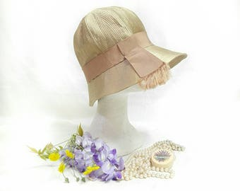 RESERVED Vintage Cloche hat 20s elegant golden gold Silk chapeau copricapo formal bridal evening 30s charleston burlesque as New