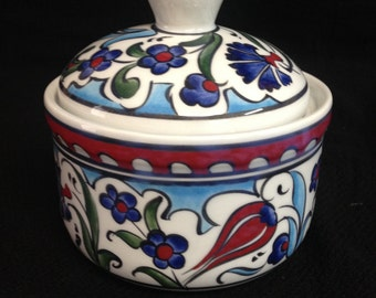"4,5"" x 4,5"" hand made ceramıc candy dish & Nuts holder"