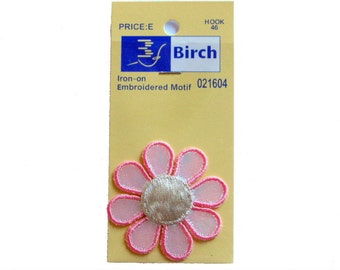 Birch Decorative Iron-On Pink Daisy Motifs