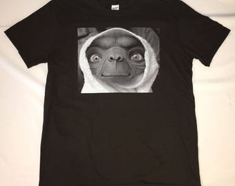 E.T. The Extra-Terrestrial Movie Film Graphic Image Photo On A Soft Style Men's Tee