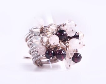 Ring silver and Garnet beads, Crystal and Moonstone