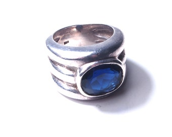 Silver ring and Crystal