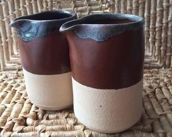 Handle less jugs