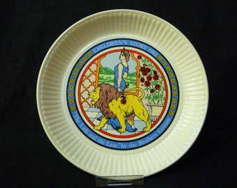 Wedgwood Plate Children's Stories -The Lady and the Lion Collectors Plate Boxed