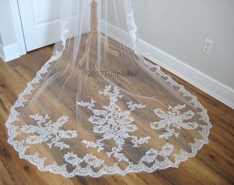 Cathedral lace veil - Beth E