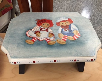 Raggedy Anne & Andy Stool