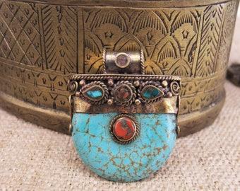 Tibetan pendant. Ethnic pendant. Tibetan Jewelry. Tibetan pendant. Pendant ethnic. Tibetan jewelry. Ethnic jewelry.