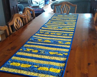 """Long strip-pieced SUNFLOWERS Provencale style 63"""" long TABLE RUNNER quilt"""