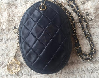 Vintage 80's CHANEL CC CHARM Quilted Navy Leather Purse Shoulder Crossbody Clutch Bag Wristlet