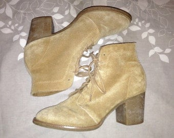 Real Suede Leather Vintage 70s Boho Hippie Camel Heel Lace Up Ankle Boots