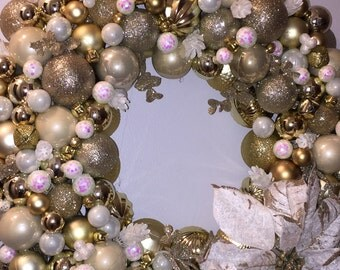 Golden Delicious, Ornament Wreath