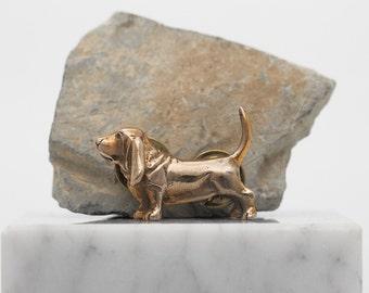 Vakkancs Basset Hound pin (solid bronze)