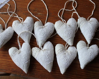 Heart made of silk with old roses lace and silk hand-rolliertem, hanger