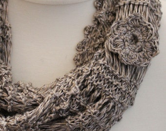 LOOP, circle scarf, silk, hand knitted, light grey