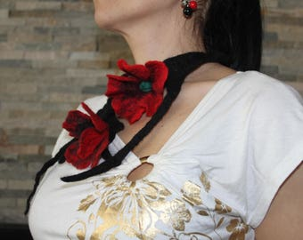 Flower necklace, felt scarf, colors red, black, floral jewelry, felted jewelery, red poppy, floral necklace, necklace wool