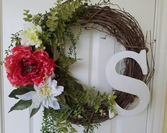 "20"" Grapevine wreath with Initial"