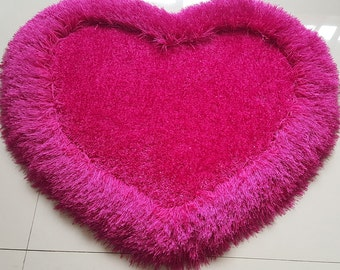 Single Heart Rose Rug