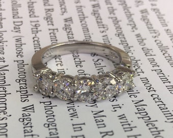 Beautiful platinum diamond band
