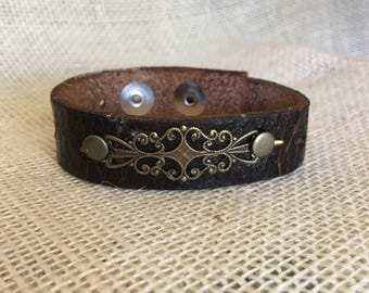 Filigree Black vintage leather cuff Bracelet