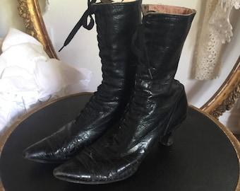 Antique Victorian Ladies Boots // Black Leather High Lace-Up Shoes //Vintage Edwardian Lace Up Boots