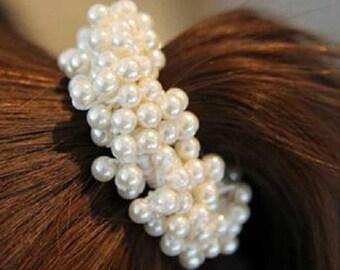 Elegant White Pearl Hair Tie // Vintage Hair Jewellery // Girly Cute Hair Bobble
