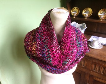 Infinity scarf, chunky Shaded scarf,  Shaded cowl, Hand Made, Hand crochet, Crocheted infinity scarf, Crochet scarf, mixture colours