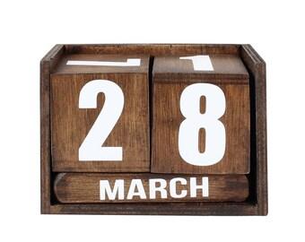 wood calendar, cube wood calendar, room wood calendar, desk wood calendar