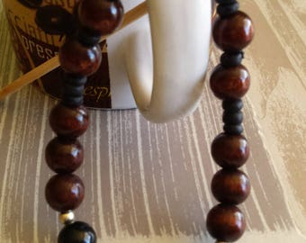 Brown bracelet for man in natural seeds