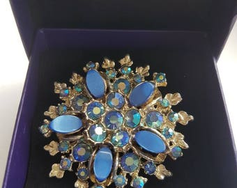 Vintage Montana Blue AB Blue Ovals Thermoset Brooch - 1960s Style!