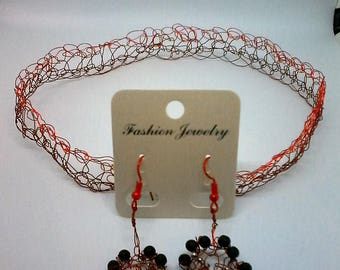 wire crochet necklace and earrings