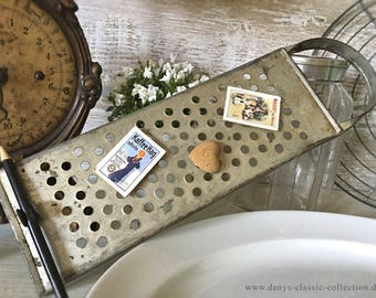 Pretty old kitchen grater memo board recipe holder vintage kitchen kitchenalia shabby brocante