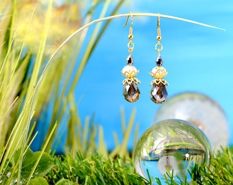 Fairies Dewdrops - earrings / / polished glass beads, faceted beads / drops / coloured / transparent / brass / gold / lovely