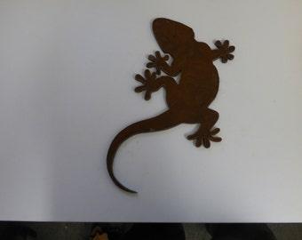 Gecko mild steel garden ornament.