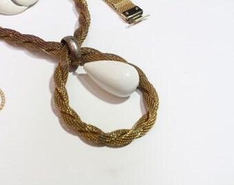 Vintage Gold Tone Rope Necklace