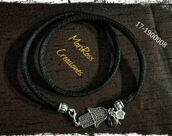 Bracelet in black and silver. With hand of Fatima.