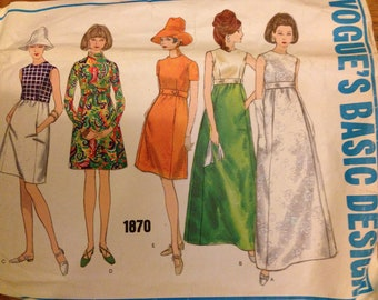 Vogue pattern 1870  for women's dress or gown
