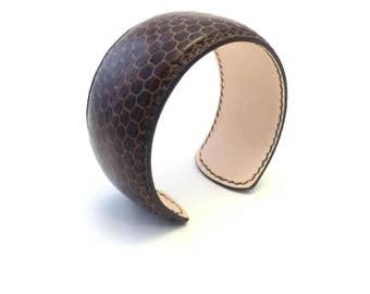 Cuff bracelet cuff 32 Handmade leather crafts