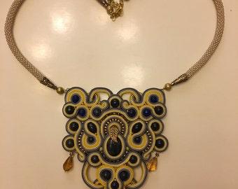 necklace autumn