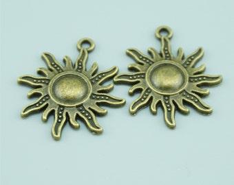 50pcs 24x28mm Antique Bronze Sun Charm Pendants Z1764